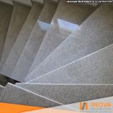 limpeza escada granilite