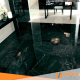 limpeza de mármore preto