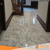 limpeza de piso de mármore branco